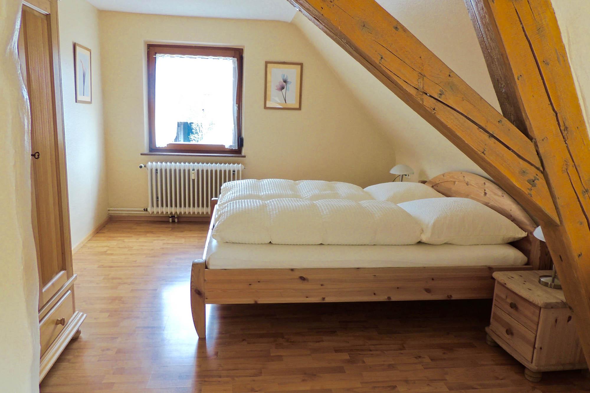Schlafzimmer der Ferienwohnung Bitto beim Europapark Rust