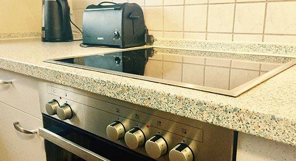 Küche / Kochfeld der Ferienwohnung bitto bei Rust